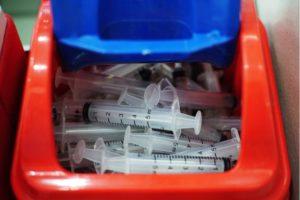 Segregacja odpadow medycznych to nie tylko dbanie o srodowisko, ale rowniez przeciwdzialanie zakazeniom-min